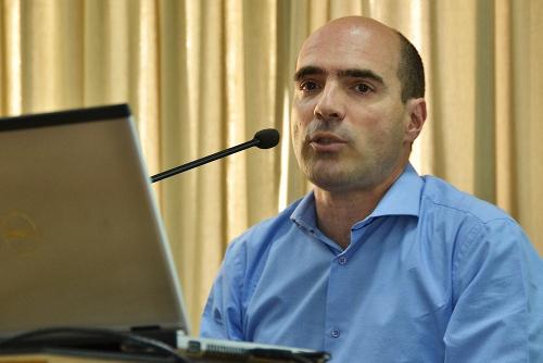 Nicolás Gadano jpg foto univ nac la plata wb
